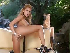 Gorgeous Nicole Graves finger bonks her wet slot