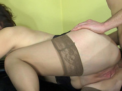 Sultry mama receives in-heat tempting her youthful neighbor into poking her butt