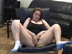 Hawt Milf lets her dusty camera know that this chick hasn't lost her edge. This chick cleans off the dusty camera in this dilettante web camera movie and spreads her legs wide for the camera whilst this chick masturbates her large juicy pussy.