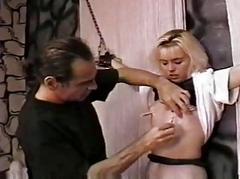 Castigate a hawt slave gal