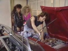 Classic threesome in the garage with Kassie Nova and Victoria Paris