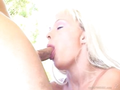 Tempting Layla Jade throat bonks a stiff skin flute
